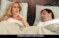 Casada safada fudendo e humilhando o corno manso em Video Porno