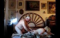 Casal de velhos dando uma trepada