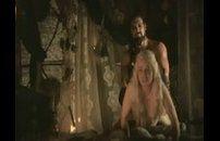 Emilia Clarke é Daenerys Targaryen fazendo anal em Game of Thrones