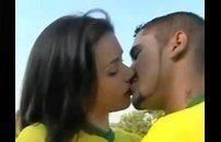 Gatinha brasileira fodendo no sexo anal