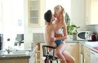 Namorada peitudinha gata só quer sexo no cuzinho