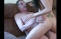 Padrasto comendo enteada magrinha top