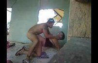 Pedreiro comendo a mulher do patrão na obra