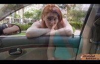 Ruiva amadora fudendo no carro
