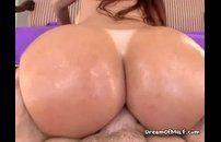 Ruiva com cuzão gostoso fazendo muito sexo anal