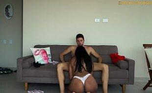 Gata latina sexy fazendo sexo gostoso