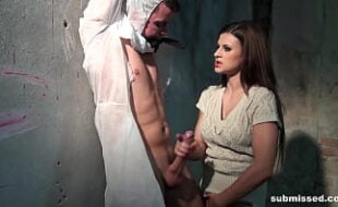 Porn Stars Dani e Brandimae colando o velcro
