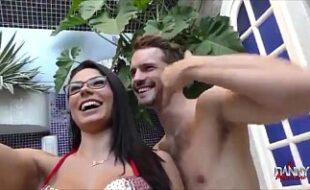 Morena dando a buceta apertadinha Porno Brasil