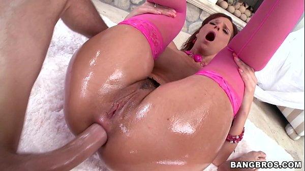 Sexo anal com milf ruiva sendo arrombada
